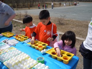 Children in South Boston dye eggs in this spring event hosted by the Junior Women's Club